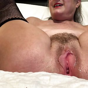 Horny Wifey Spreads Her Pussy And Masturbates With Her Outstanding Toy