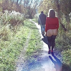 Autumn park public flashing and blowjob