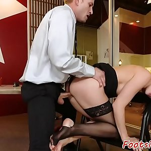 Toesucked secretary getting fucked perfectly