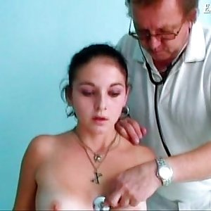 Teen dark-haired Nelia and old kinky gynodoctor