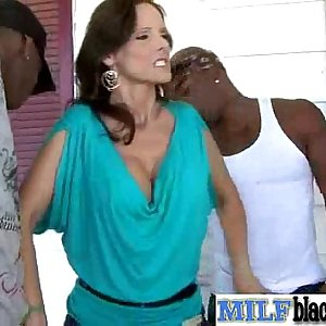 Interracial Hookup Tape With Huge Black Hard-on In Hot Pussy Of Mummy (syren demer) vid-27